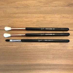 Three sigma brushes